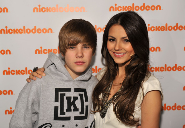 Musician Justin Bieber and actress Victoria Justice attend the 2010 Nickelodeon Upfront Presentation at Hammerstein Ballroom on March 11, 2010 in New York City.