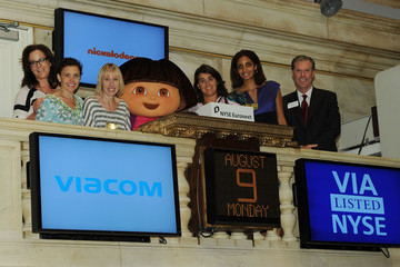 Brown Johnson Nickelodeon Visits the NYSE to Celebrate 10 Years of Dora the Explorer