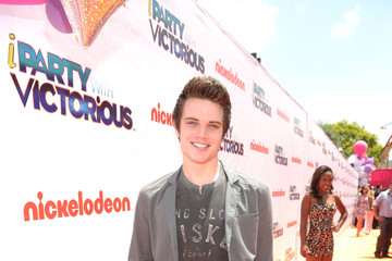 "Cameron Deane Stewart Nickelodeon ""iParty With Victorious"" Premiere - Orange Carpet"