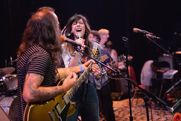 Nicki Bluhm Headcount & Dayglo Present Phil Lesh And Very Special Friends At The Apollo Theater