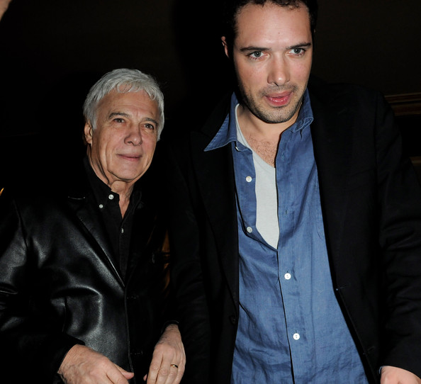 http://www2.pictures.zimbio.com/gi/Nicolas+Bedos+Guy+Bedos+Le+Concert+2+Millions+RI8PaTG2xxKl.jpg