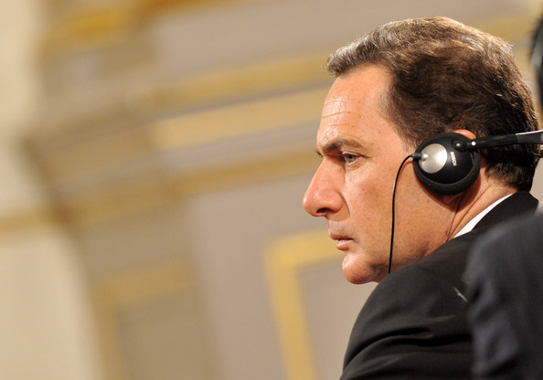 Nicolas Sarkozy and Dimitri Medvedev Work Meeting at Elysee []
