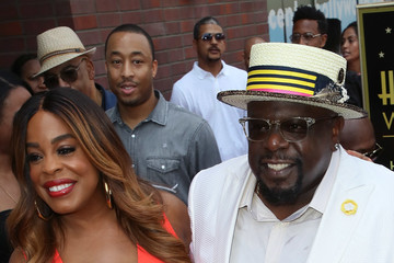 Niecy Nash Cedric The Entertainer Honored With Star On The Hollywood Walk Of Fame