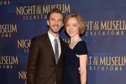 Actor Dan Stevens (L) attends the 'Night At The Museum: Secret Of The Tomb' New York Premiere at Ziegfeld Theater on December 11, 2014 in New York City.