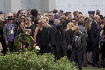 Nile Rodgers Chris Cornell Is Laid to Rest at the Hollywood Forever Cemetery