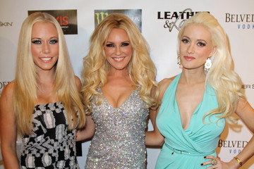 Kendra Wilkinson Holly Madison Pictures Photos Images Zimbio