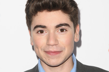 Noah Galvin The Trevor Project's 2016 TrevorLIVE LA - Red Carpet