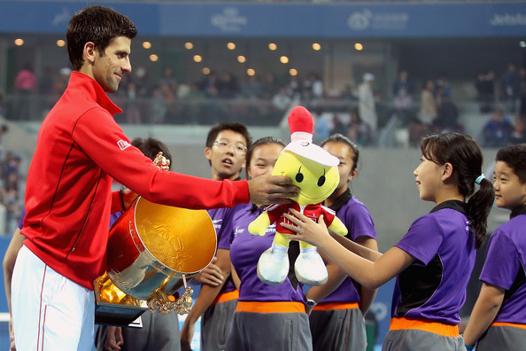 Novak Djokovic - 6 - Page 3 Novak+Djokovic+2013+China+Open+Day+Nine+vdhjsoGAmbCl