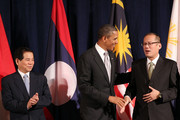 (AFP OUT) President Barack Obama (C) attends a working luncheon with ASEAN leaders Vietnam President Nguyen Minh Triet (L) and President of the Philippines Benigno Aquino III (R) September 24, 2010 in New York City. Obama has been in New York since Wednesday attending the annual General Assembly at the United Nations, where yesterday he stressed the need for a resolution between Israel and Palestine, and a renewed international effort to keep Iran from attaining nuclear weapons.