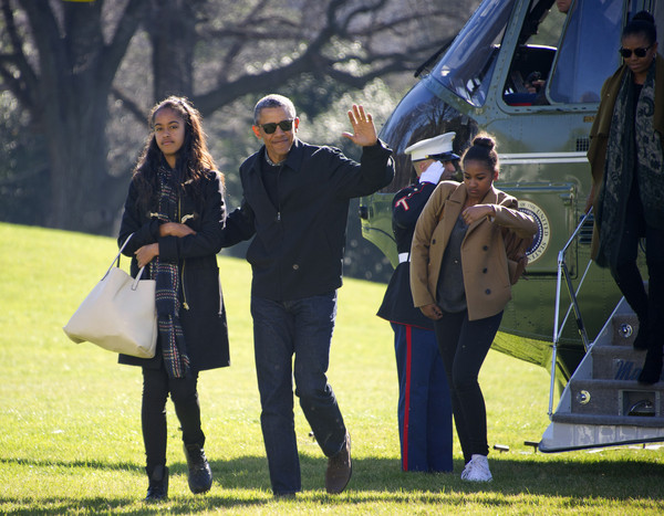 michelle obama in the obamas return from hawaii vacation zimbio