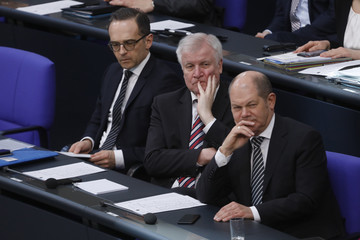 Olaf Scholz Horst Seehofer Merkel Gives First Government Declaration Of New Government