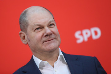 Olaf Scholz SPD Party Board Meets