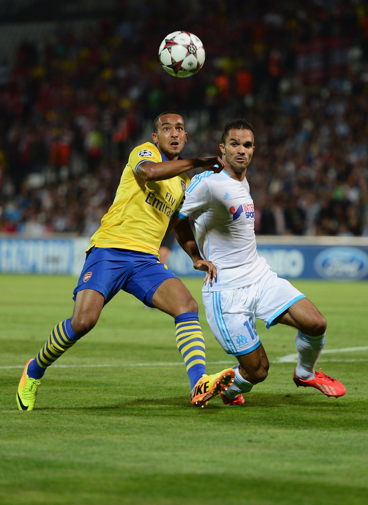 theo walcott in olympique de marseille v arsenal zimbio. Black Bedroom Furniture Sets. Home Design Ideas