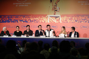 """Henri Behar, Shannon McIntosh, Brad Pitt, Leonardo DiCaprio, Director Quentin Tarantino, Margot Robbie and David Heyman attends the """"Once Upon A Time In Hollywood"""" Press Conference during the 72nd annual Cannes Film Festival on May 22, 2019 in Cannes, France."""