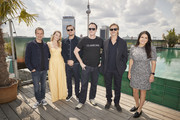 "(L-R) David Heyman, Margot Robbie, Leonardo DiCaprio, Quentin Tarantino, Brad Pitt and Shannon McIntosh pose during the press junket for ""Once Upon A Time... In Hollywood"" at Soho House on August 01, 2019 in Berlin, Germany."