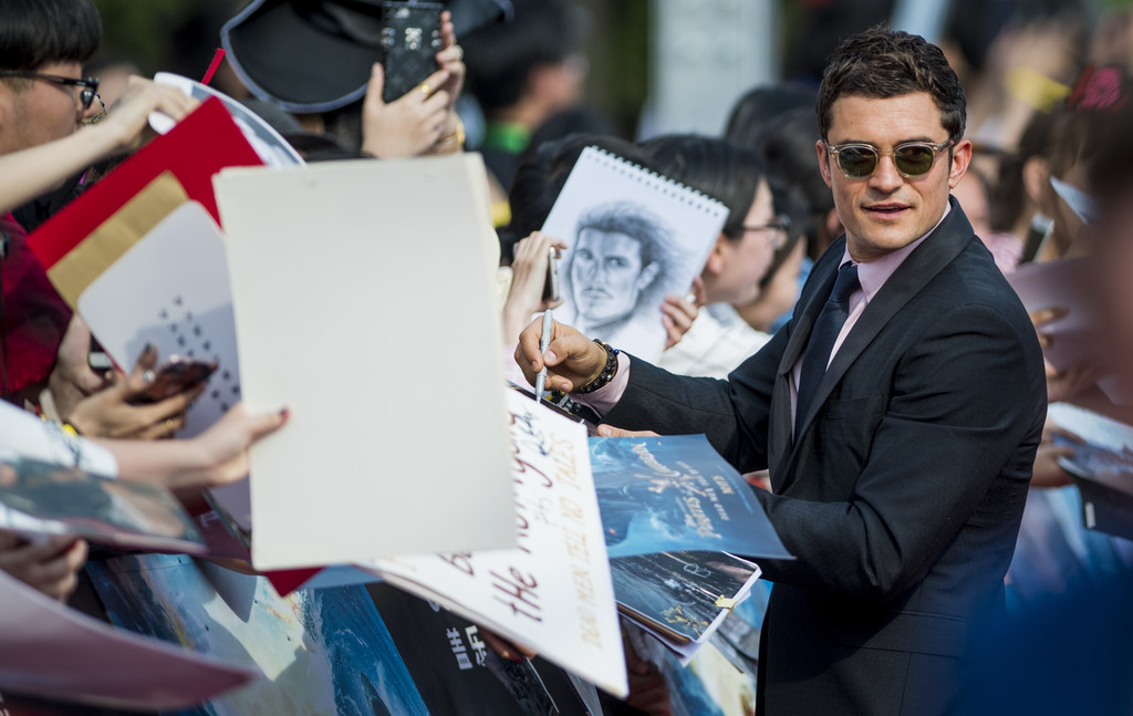 http://www2.pictures.zimbio.com/gi/Orlando+Bloom+Pirates+Caribbean+Dead+Men+Tell+kREFvluj37Ox.jpg