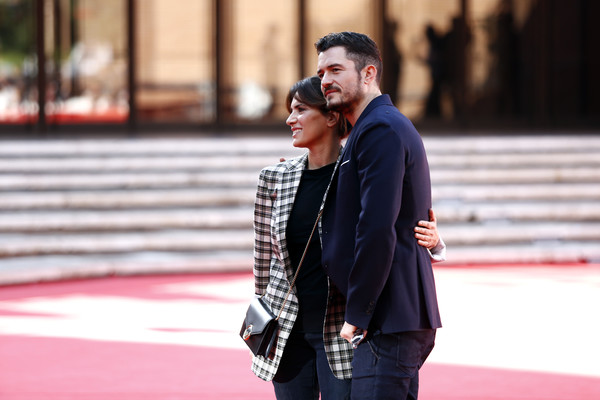 http://www2.pictures.zimbio.com/gi/Orlando+Bloom+Romans+Red+Carpet+12th+Rome+S5rb_YQNZE0l.jpg