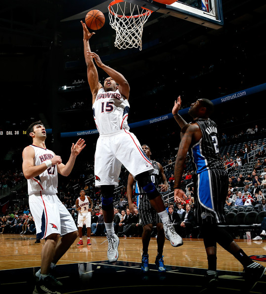 Al Horford scoring in the paint vs. ORL