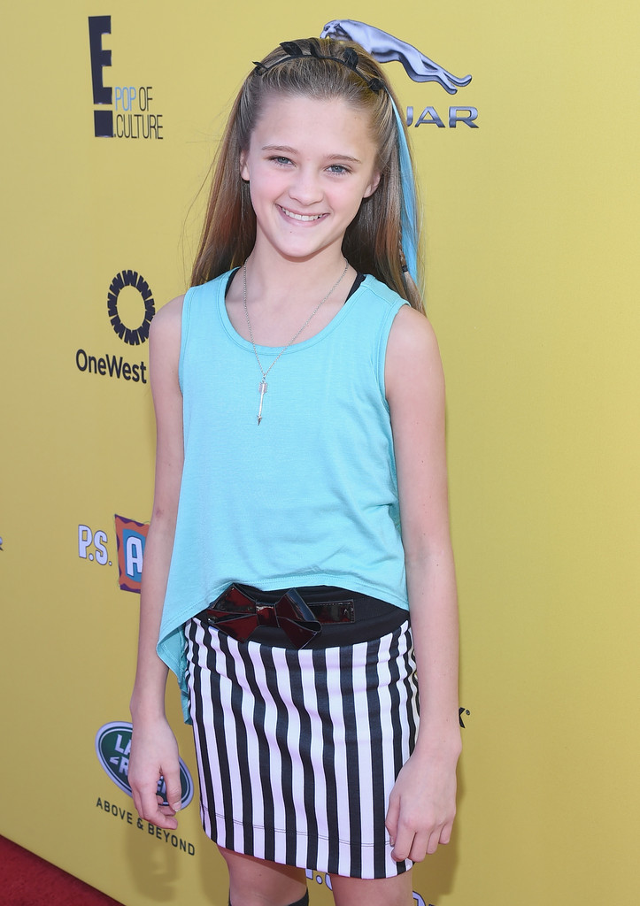 Los Angeles Oct 4 Lizzy Greene Stock Photo 324553346 - Shutterstock
