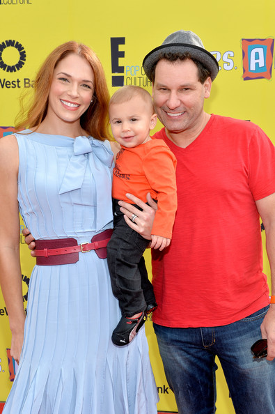 Amanda Righetti and her husband, Jordan Alan with their children