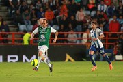 Landon Donovan (L) of Leon drives the ball during the 9th round match between Pachuca and Leon as part of the Torneo Clausura 2018 Liga MX at Hidalgo Stadium on February 24, 2018 in Pachuca, Mexico.