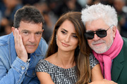 "(L-R)  Antonio Banderas, Penelope Cruz and Director Pedro Almodovar attend the ""Pain And Glory (Dolor Y Gloria/ Douleur Et Glorie)"" photocall during the 72nd annual Cannes Film Festival on May 18, 2019 in Cannes, France."