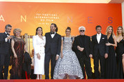 """(L) Leonardo Sbaraglia (2L) Nieves Alvarez, Asier Etxeandia, Penelope Cruz, wearing Atelier Swarovski Fine Jewelry, Director Pedro Almodovar, Antonio Banderas, Nicole Kimpel and her twin sister attend the screening of """"Pain And Glory (Dolor Y Gloria/Douleur Et Gloire)"""" during the 72nd annual Cannes Film Festival on May 17, 2019 in Cannes, France."""
