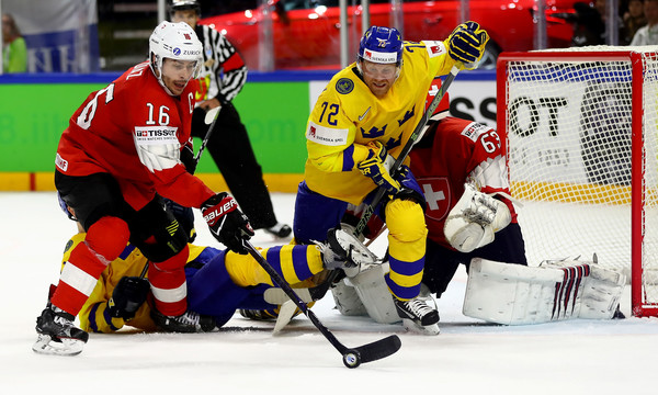 Patric Hornqvist Photos - Sweden vs. Switzerland - 2018 IIHF Ice ...