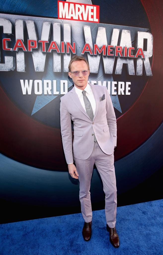 http://www2.pictures.zimbio.com/gi/Paul+Bettany+World+Premiere+Marvel+Captain+fnLOYbmxcXJx.jpg