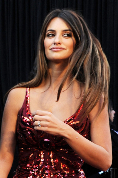 Penelope Cruz Hair, Long Hairstyle 2013, Hairstyle 2013, New Long Hairstyle 2013, Celebrity Long Romance Hairstyles 2037
