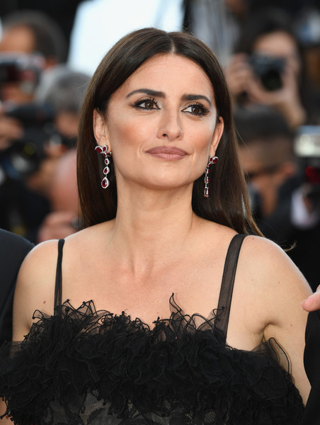 'Everybody Knows (Todos Lo Saben)' & Opening Gala Red Carpet Arrivals - The 71st Annual Cannes Film Festival [everybody knows,hair,face,eyebrow,hairstyle,shoulder,beauty,long hair,chin,lip,skin,penelope cruz,jewels,screening,cannes,red carpet arrivals,atelier swarovski fine jewelry,cannes film festival,palais des festivals,gala]