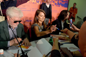 """Penelope Cruz Pedro Almodovar """"Pain And Glory (Dolor Y Gloria/ Douleur Et Glorie)"""" Press Conference - The 72nd Annual Cannes Film Festival"""
