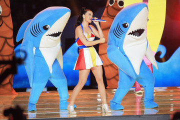 One of Katy Perry's Dancing Sharks is a Hot Dude