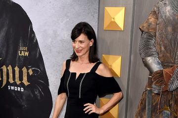Perrey Reeves Premiere of Warner Bros. Pictures' 'King Arthur: Legend of the Sword' - Red Carpet