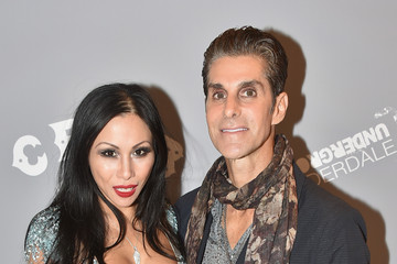 Perry Farrell Etty Lau Farrell Pictures, Photos & Images - Zimbio