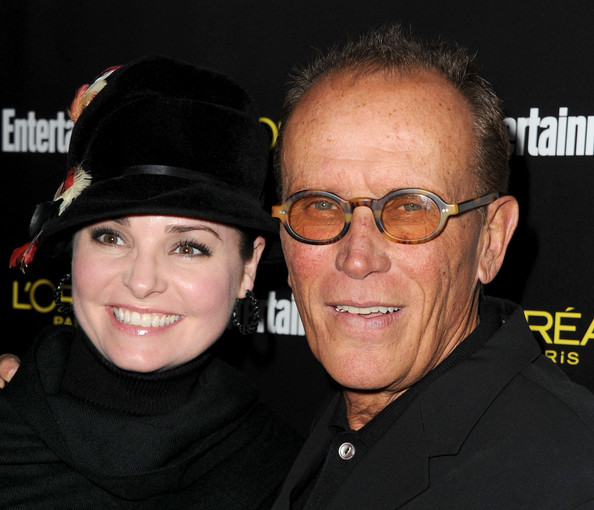 Peter Weller Actor Peter Weller (R) and Shari Stowe arrive at Entertainment Weekly's celebration honoring the 17th Annual Screen Actors Guild Awards nominees hosted by Jess Cagle and presented by L'Oreal Paris at Chateau Marmont on January 29, 2011 in Los Angeles, California.