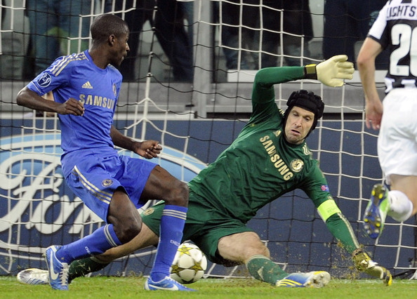 Arsenal transfer news: Petr Cech in talks to join Arsenal ...  |Petr Cech Chelsea Save