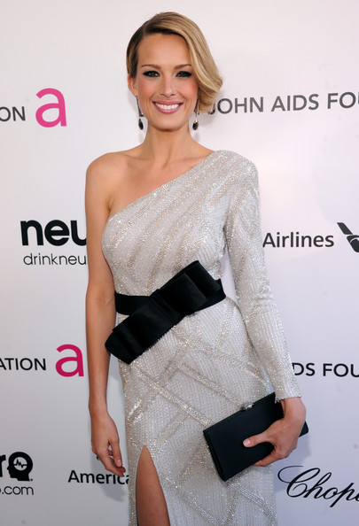 Petra Nemcova - 21st Annual Elton John AIDS Foundation Academy Awards Viewing Party - Red Carpet