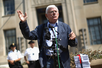 Phil Donahue Free Press Supporters Petition DOJ