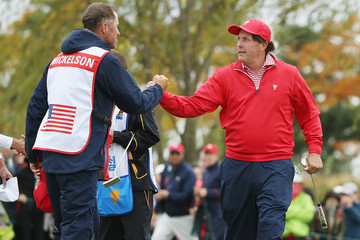 Phil Mickelson Jim MacKay The Presidents Cup - Final Round