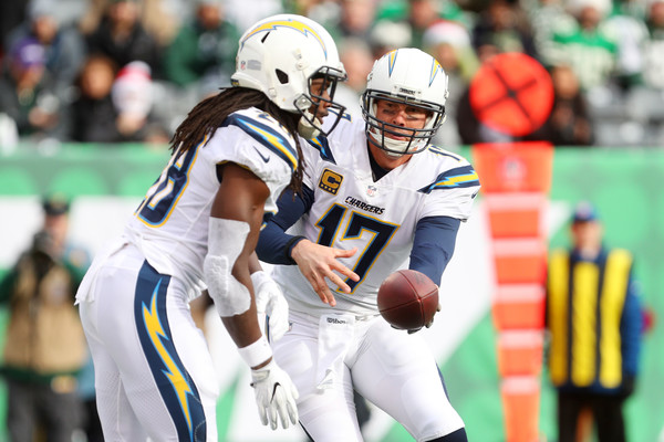 http://www2.pictures.zimbio.com/gi/Philip+Rivers+Melvin+Gordon+Los+Angeles+Chargers+pQn0JmTQaxTl.jpg