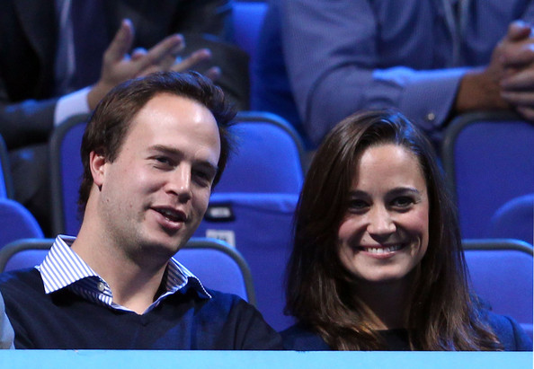 http://www2.pictures.zimbio.com/gi/Pippa+Middleton+ATP+World+Tour+Finals+Day+DmAABeJ9yCWl.jpg