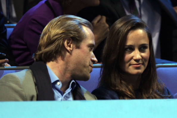 http://www2.pictures.zimbio.com/gi/Pippa+Middleton+ATP+World+Tour+Finals+Day+qt8JYTkoU4kl.jpg