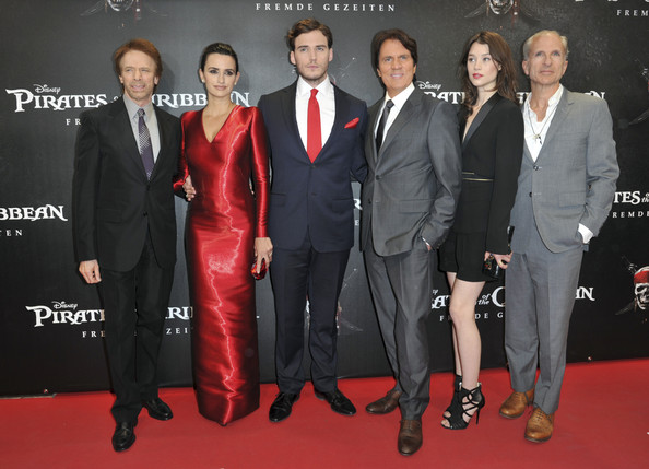 "US producer Jerry Bruckheimer, Spanish actress Penelope Cruz, , British actor Sam Claflin , US director Rob Marshall, French actress Astrid-Berges Frisbey pose during the Germany Premiere of ""Pirates Of The Caribbean: On Stranger Tides"" at the Mathaeser Filmpalast on May 16, 2011 in Munich, Germany."