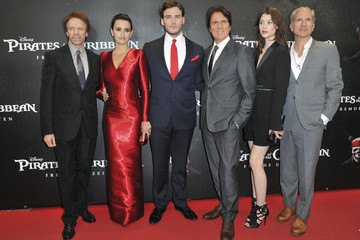 "Rob Marshall Sam Claflin ""Pirates Of The Caribbean: On Stranger Tides"" Germany Premiere"