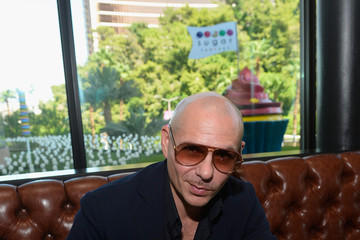 Pitbull Pitbull, Voli 305, and Sugar Factory American Brasserie Debuts Three New Signature Goblets Designed and Tasted by Pitbull at Fashion Show in Las Vegas