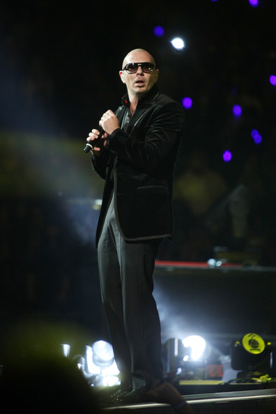 Pitbull Pictures Enrique Iglesias In Concert Zimbio