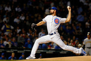 Cole Hamels #35 of the Chicago Cubs pitches against the Pittsburgh Pirates during the first inning at Wrigley Field on September 24, 2018 in Chicago, Illinois.