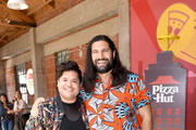 Kayvan Novak Harvey Guillen Photos Photo