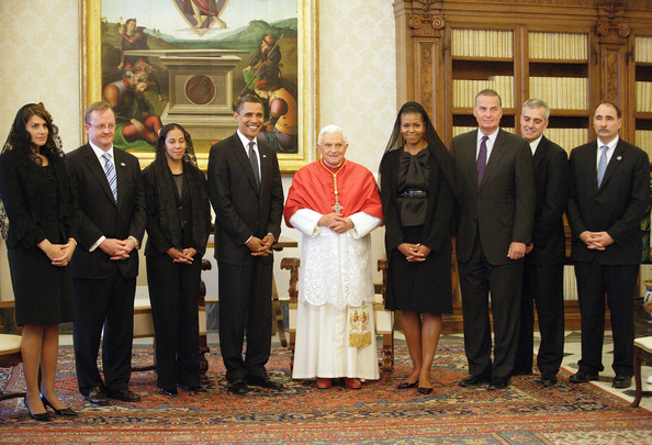 ¿Cuánto mide Barack Obama? - Estatura y peso - Real height and weight Pope+Benedict+XVI+Pope+Meets+President+Obama+794Zsw3rdfYl